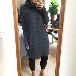 GAP TURTLENECK SWEATER DRESS NEW WITH TAG